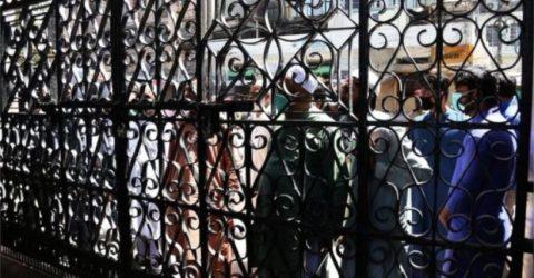 জুমার নামাজ ঠেকাতে পাকিস্তানে কারফিউ জারি