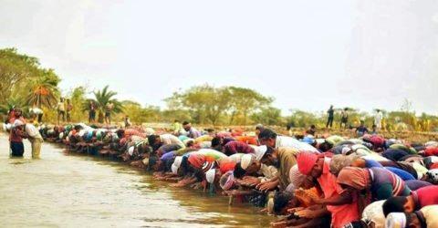 সরকারকে বেকায়দায় ফেলতেই হাঁটু পানিতে ঈদের নামাজ